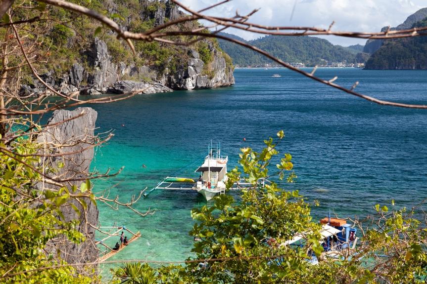 Filipiny : Palawan :: Rajskie plaże i wyścig z tajemniczymwirusem.